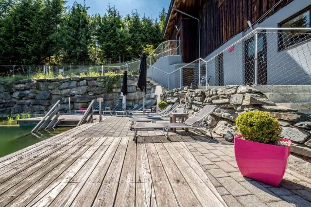 sauna-und-wellness-hotel-Art-Lodge-in-oesterreich-erholungsurlaub-reise-buchen-Pool