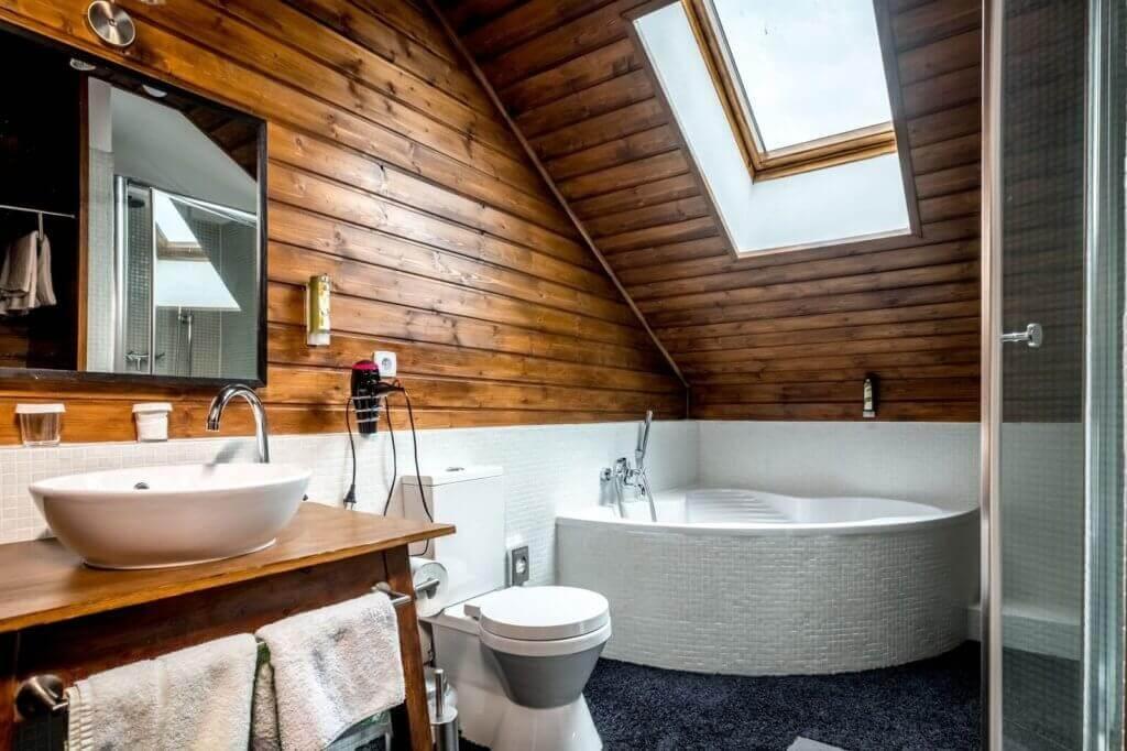 wellnesshotel-Art-Lodge-hotel-erholungsurlaub-oesterreich-reise-buchen-reisespezialist-fuer-kurzurlaub-Room-Superior-Bathroom