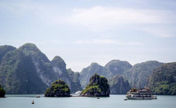 reiseberatung-Halong-individual-urlaub-rundreise-massgeschneidert- reise-planen-vietnam