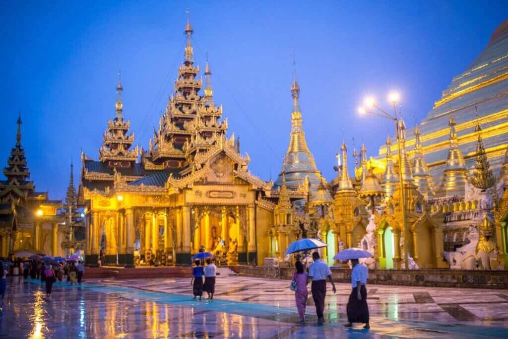 reise-planen-Yangon-Shwedagon-Pagoda-durch-myanmar-reiseveranstalter-asien