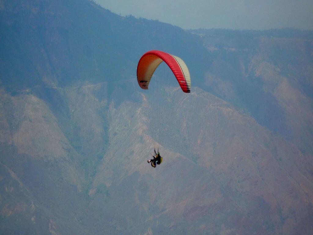 reise-aktiv-abenteuer-kolumbien-chicamocha-canyon-parasailing-san-gil-plane-urlaub
