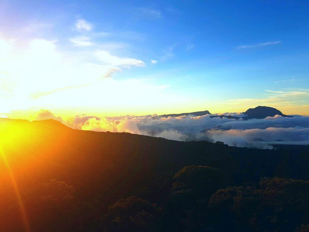 la-reunion-seychellen-reise-buchen-aktivreise-mietwagenrundreise-la-reunion-wandern-indischer-ozean-natur-bergwandern-Piton de la Fournaise-vulkan