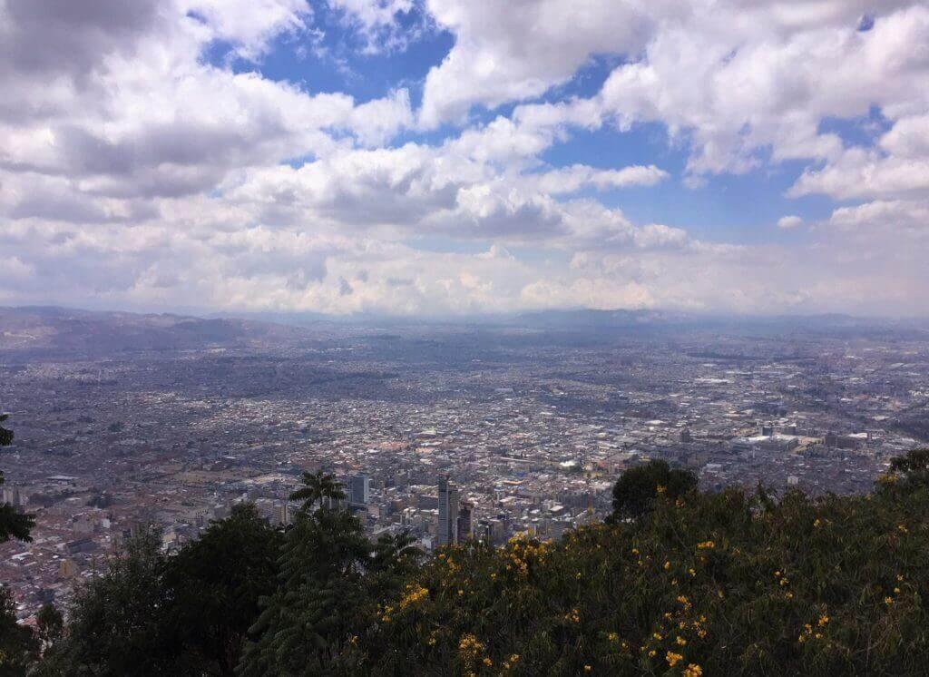 montserrat-bogota-von-oben-gruppenreise-kolumbien-reisen-fuer-individualreisende