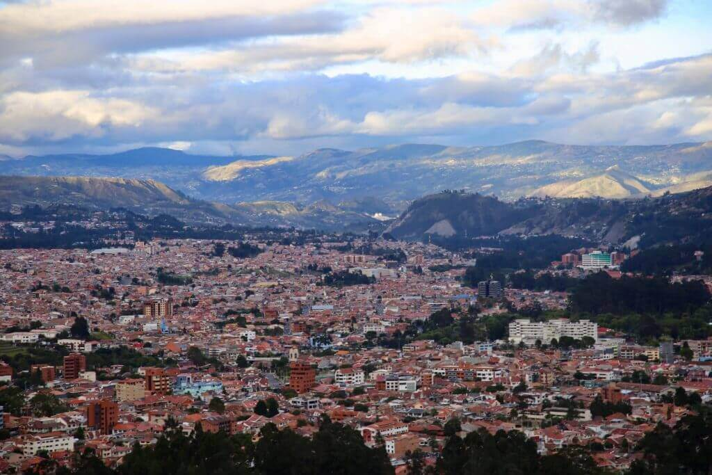 großstadt-cuenca-aussicht-turi-sundowner-südamerika-hiking-urlaub-reiseblog-fotourlaub-mirador