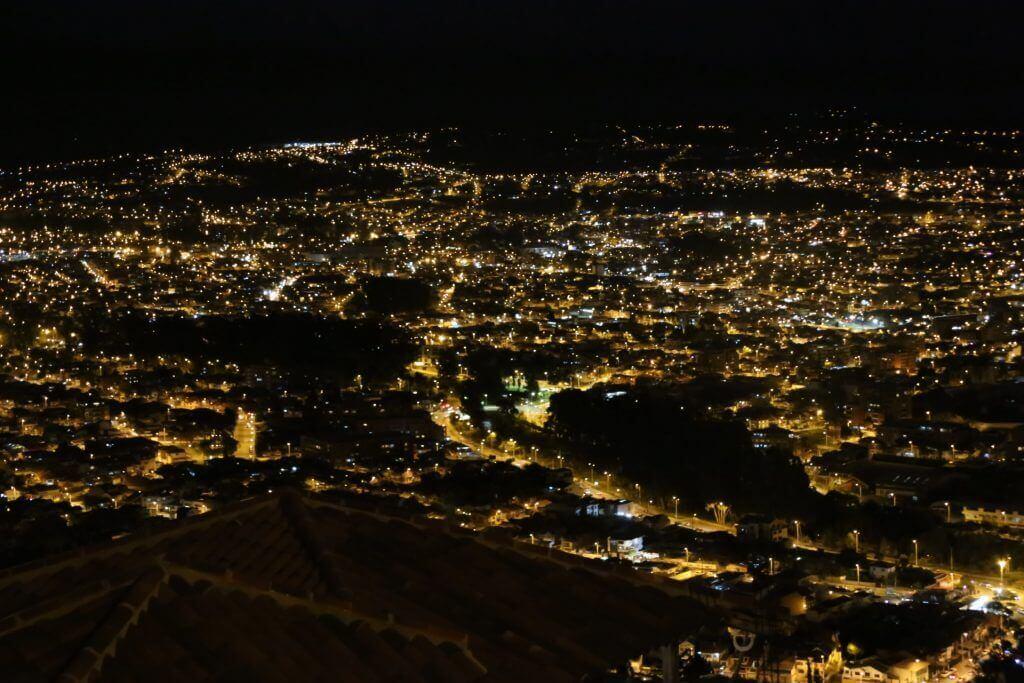 highlight-cuenca-mirador-turi-bei-nacht-reiseblog-reisebüro-spezialist-südamerika