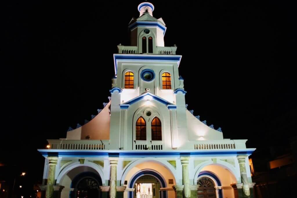 fotohighlight-cuenca-mirador-turi-nacht-foto-hotspot-fotoreise-blog-reisebro-online-reiseveranstalter-ecuador
