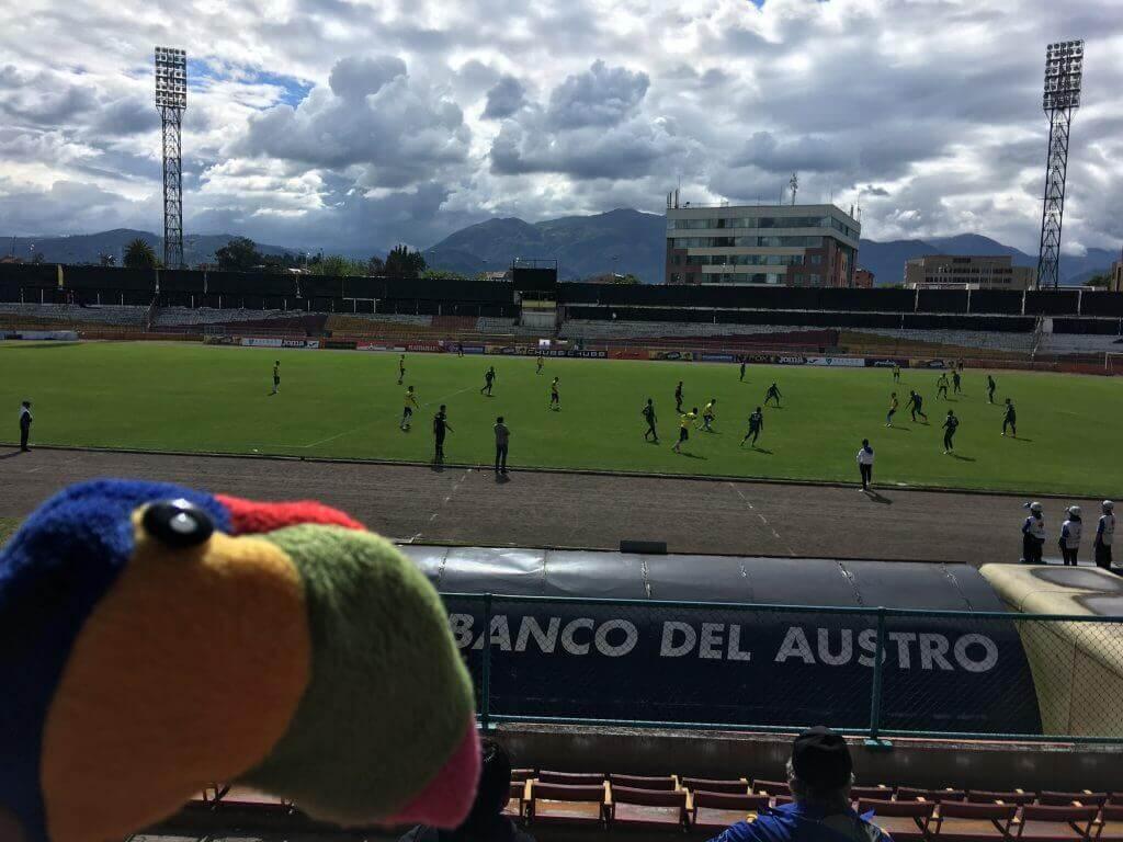 spass-ecuador-sicher-bereisen-reiseprofi-reisespezialist-süd-amerika-fußball-lateinamerika-quenca-familienausflug