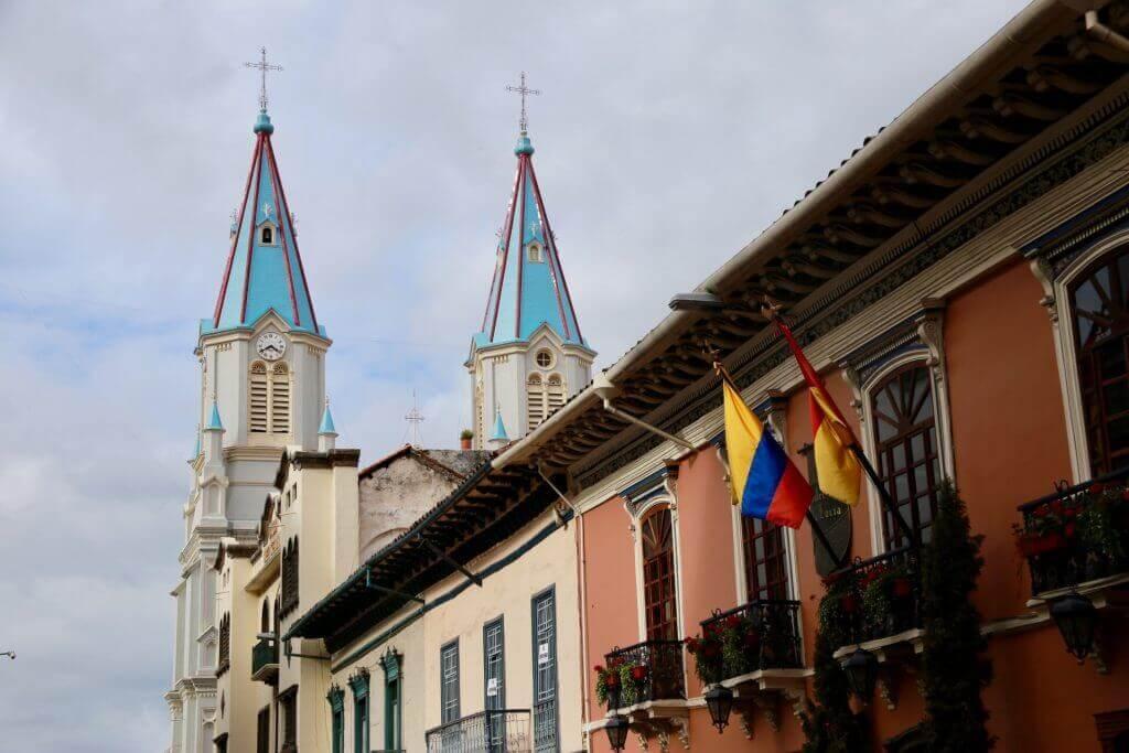 urlaub-equador-reiseblog-sicher-reisen-süd-amerika-reisebüro-online-cuenca-anden-stadtrundgang