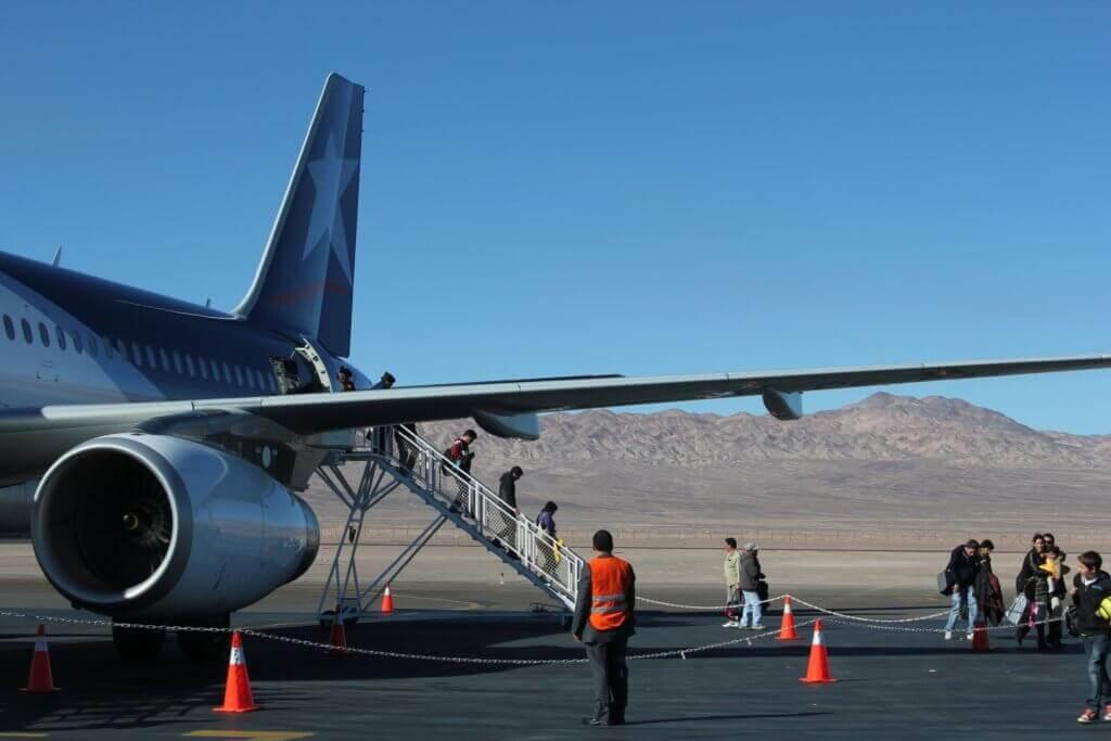 nordchile-flugzeug-fliegen-suedamerika-reise-calama