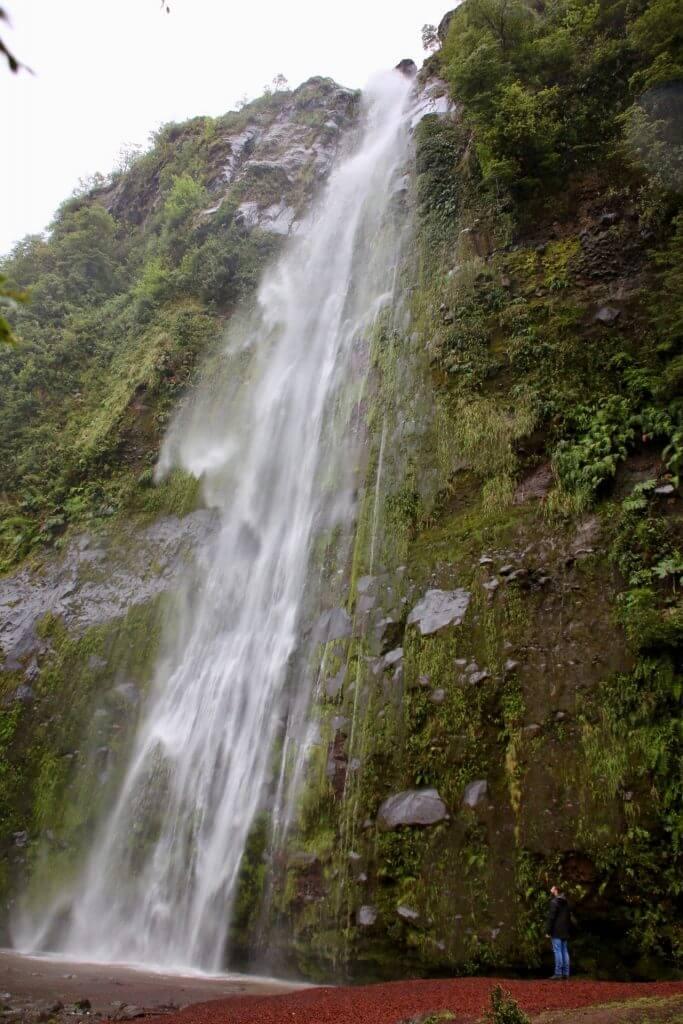 wasserfall-foto-fotoreise-hotspot-wanderurlaub-wanderreise-wanderurlaub-trekkingtrip-backpack-roadtrip-autoreise-chile-seengebiet