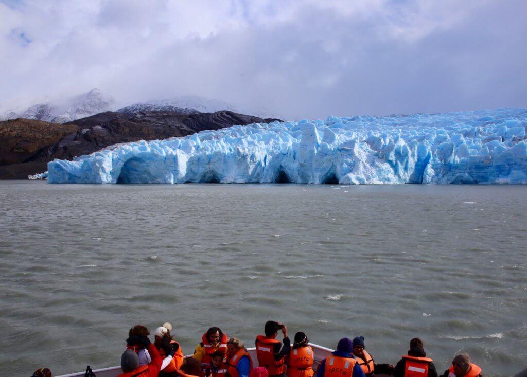 gletscher-patagonien-gletscherwandern-kajak-chile-südamerika-urlaub-reise-wanderreise-wanderurlaub-luxusurlaub-persönlichebetreuung-betreuung