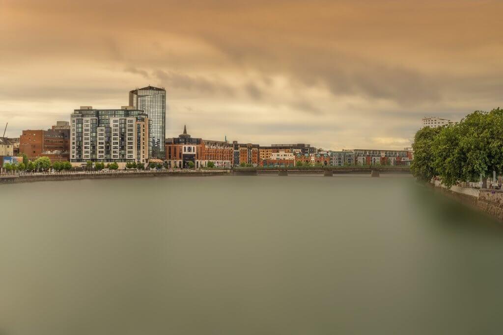 individuelle-mietwagenrundreise-irland-Galway-sehenswürdigkeiten-irland-limerick-besuchen