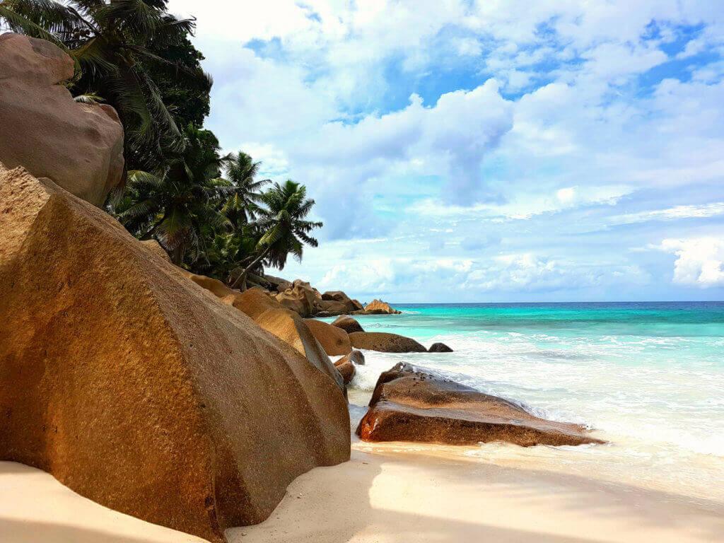 inselkombination-la-reunion-und-seychellen-buchen-reisespezialist-indischer-ozean-traumurlaub-hochzeitsreise