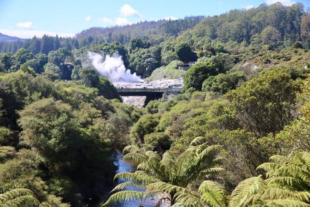 lake-taupo-neuseeland-rundreise-highlights-sehenswürdigkeiten-reisebüro-beratung