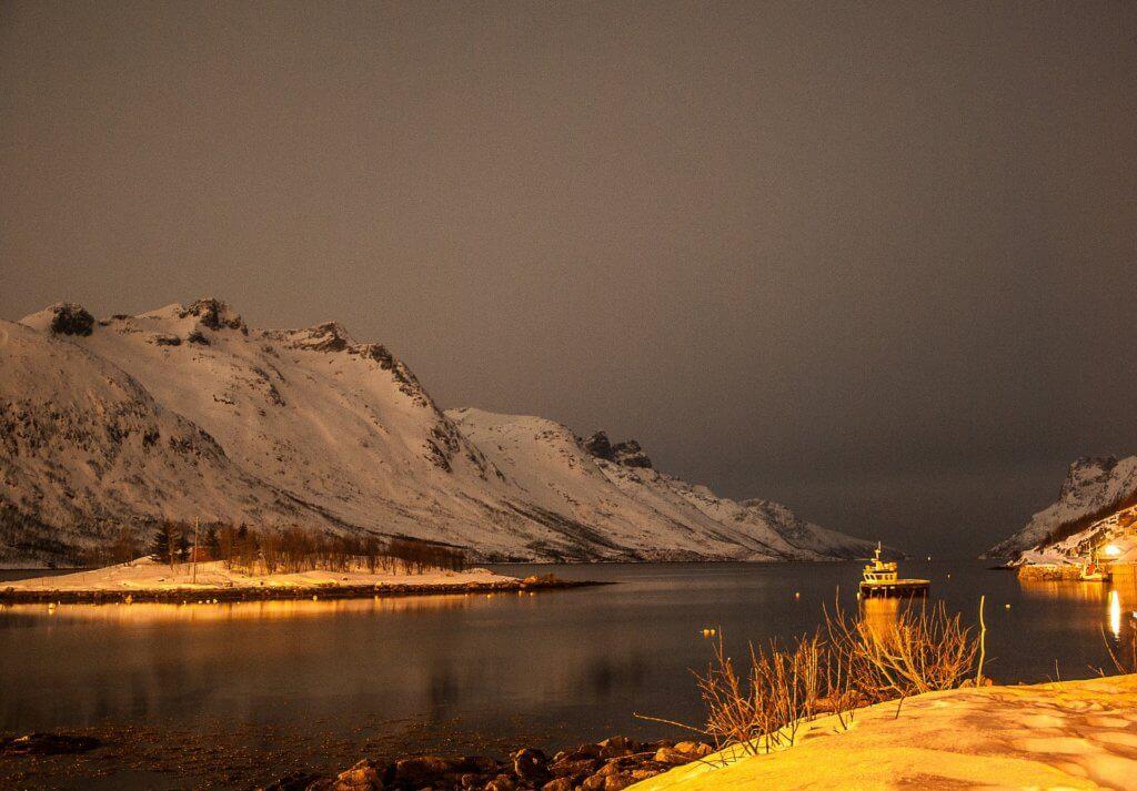 winter-norwegen-tromso-reise-buchen-nordlichter