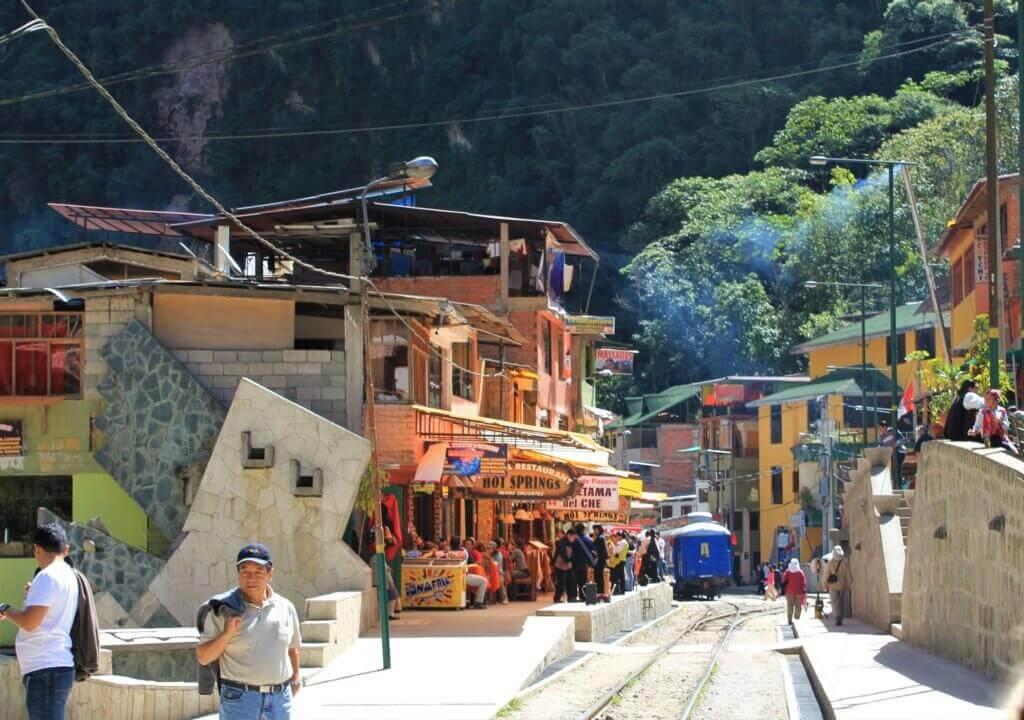 reiseanbieter-rundreise-peru-reise-inka-trail-buchen-individueller-Aquas-Calientes