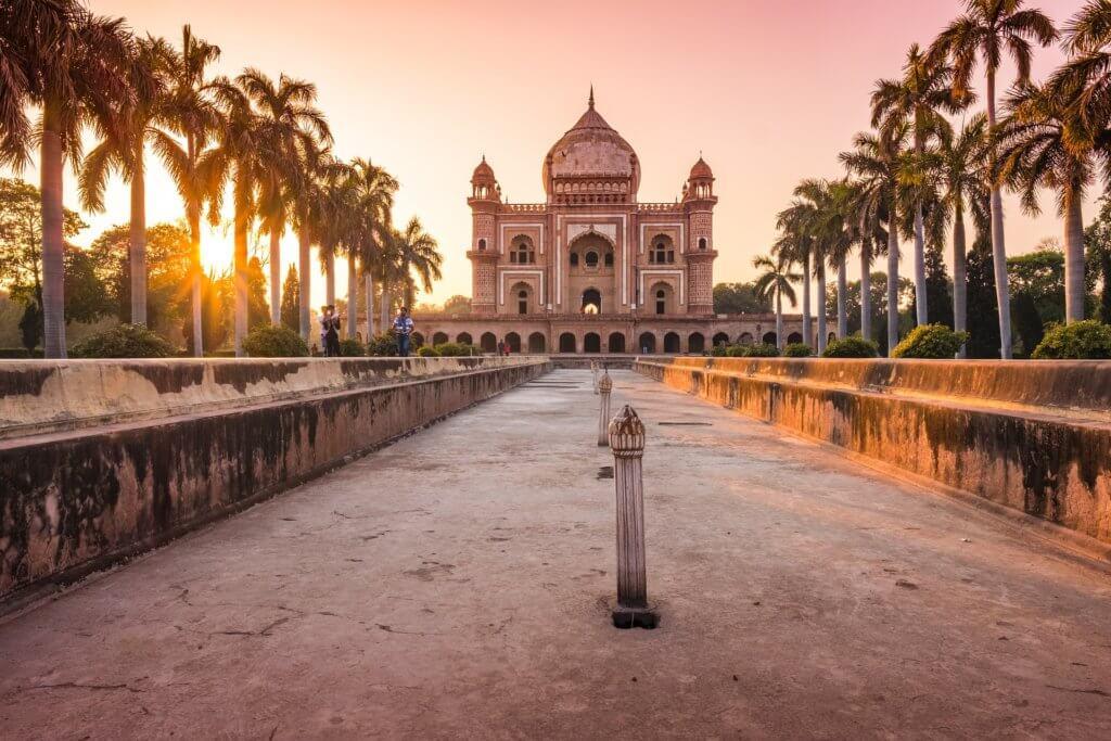 indien-individuell-reise-buchen-nach-geplante-rundreise-delhi-mausoleum