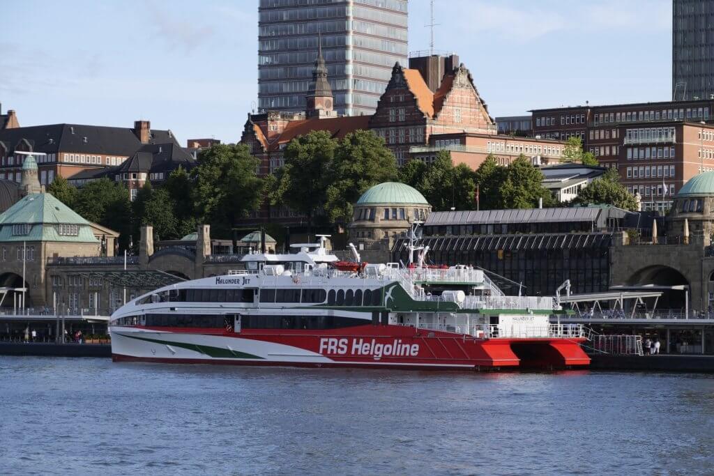 staedte-reise-hamburg-reise-fuer-paare-deutschland-ausflug-helgoland
