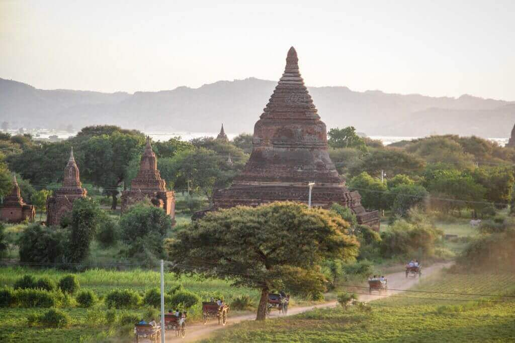 bagan-rundreisen-nach-myanmar-planen-kulturreise-mit-luxus