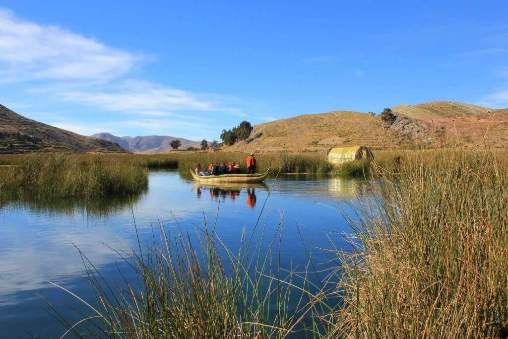 individuelle-rundreise-peru-und-bolivien-reiseprogramme-reisespezialist-titicacasee-unterwegs-aktivurlaub