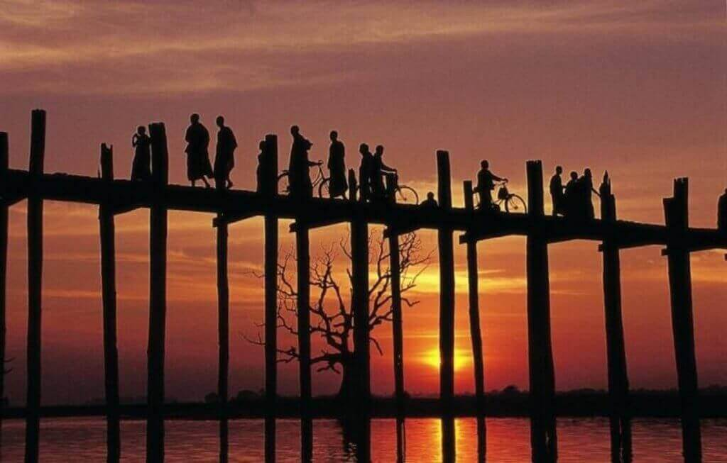 burma-rundreise-myanmar-planen-Mandalay-Taungthaman-See-Bruecke