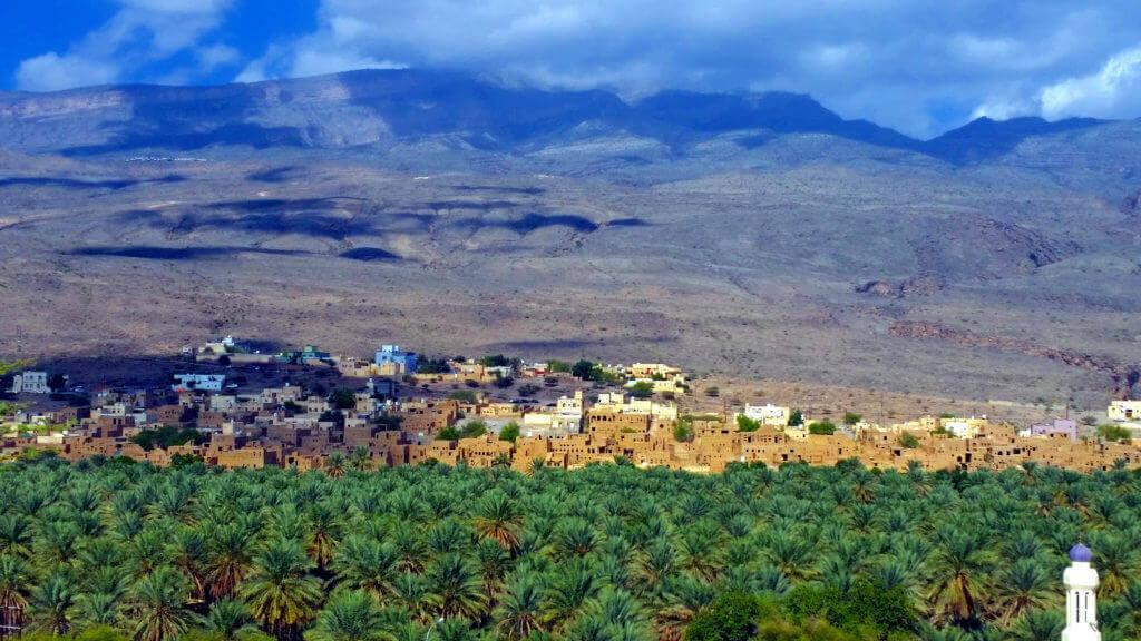 durch-den-oman-rundreise-planen-nizwa-reisespezialist-fuer-arabien-orient-reise