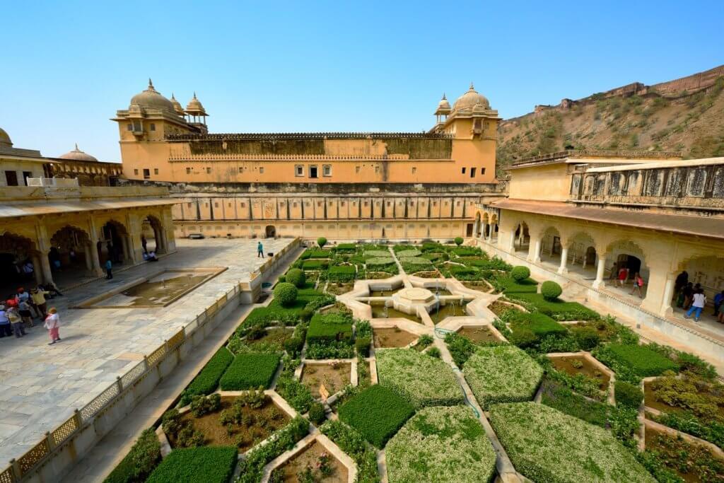 indien-rajsthan-individuelle-rundreise-indien-farbenfrohes-reisespezialist-jaipur-amber-fort