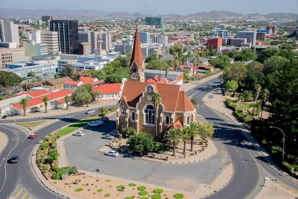 mietwagenrundreise-namibia-rundreise-mit-dem-mietwagen-unterwegs-famlilienreise-reiseplaner
