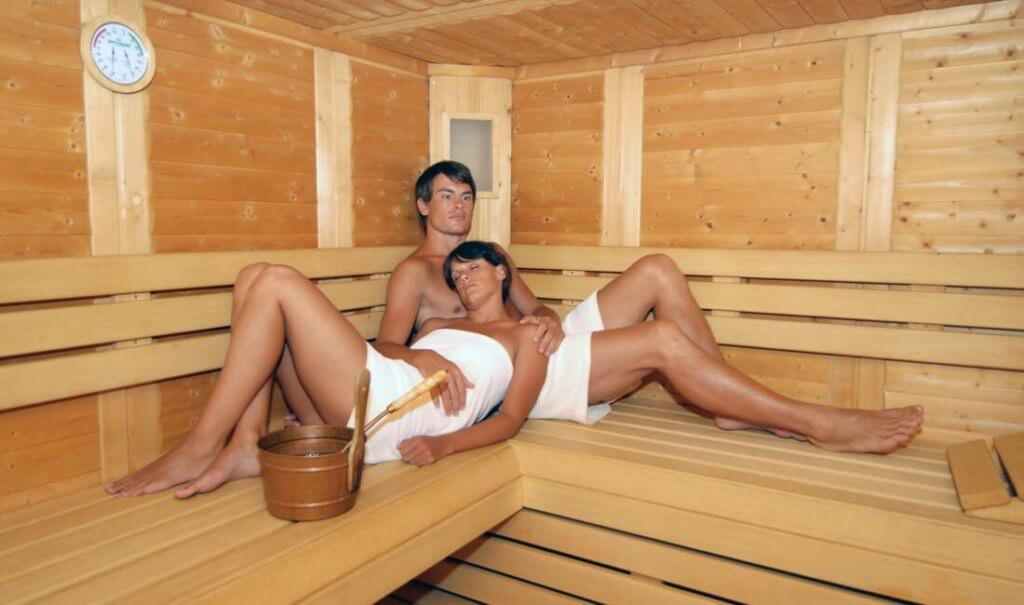familienurlaub-torgglerhof-familien-urlaub-suedtirol-sauna-wellness-in-oesterreich-brixen-reise-buchen