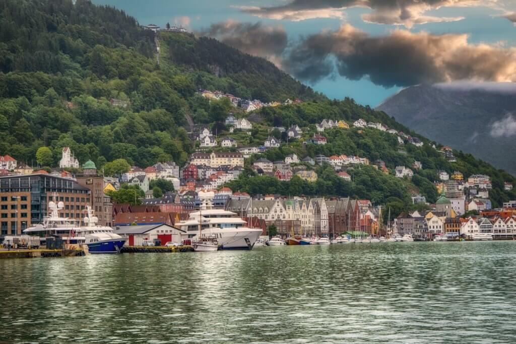 bergen-staedte-urlaub-norwegen-nordeuropa-fjorde
