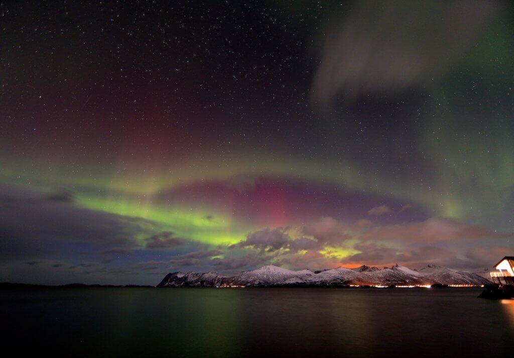 tromso-norwegen-staedtereise-nordlichter-reise-im-winter
