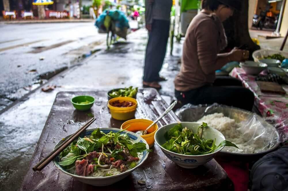 vietnam-streetfood-urlaub-buchen-fuer-rundreise-luxureise-asien