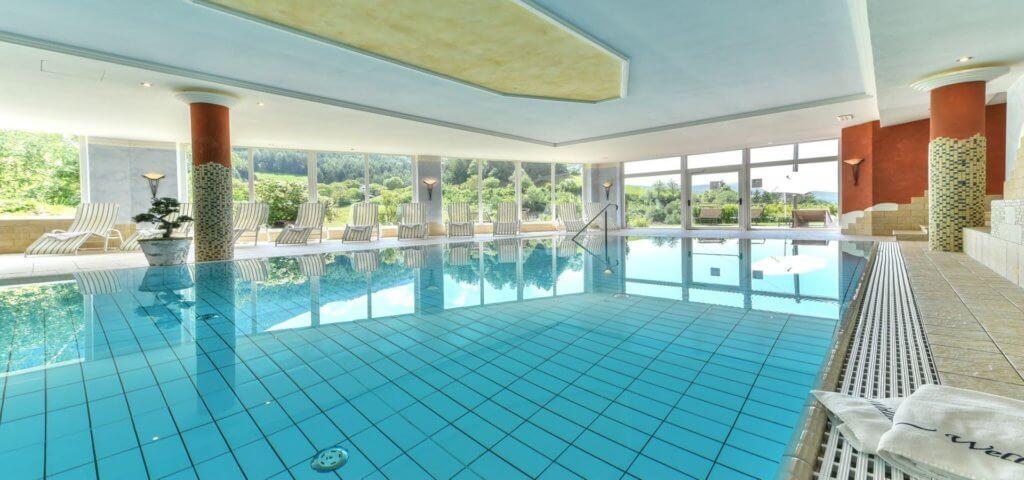 familien-urlaub-suedtirol-reise-torgglerhof-sommerurlaub-pool-oesterreich