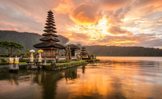 wellnessurlaub-bali-reise-individuell-tempelanlagen-geniessen-indonesien-fernreise-asien-planen