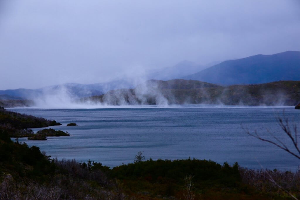 wanderreise-anden-torres-del-paine-trekkingreise-feuerland-geplant-luxusurlaub-chile-patagonien-wandertrip-reiseidee-urlaubsplaner-trekking-fotographieren-wandern