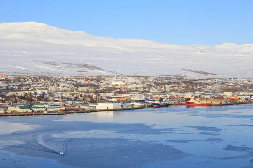 Mietwagenrundreise-island-europa-walewatching-nordisland-reisen-island-nordeuropa-Akureyri
