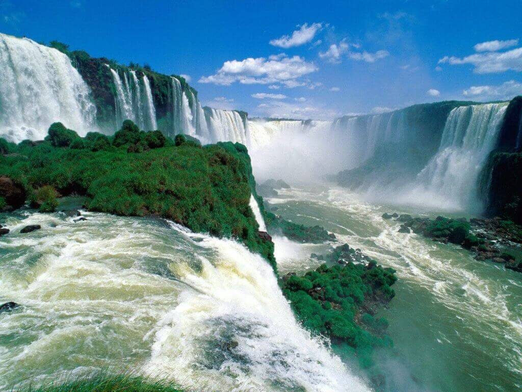 reise-planen-luxus-wasserfall-iguazu-naturschauspiel-suedamerika-aktivreise-individuelle-rundreise-planen