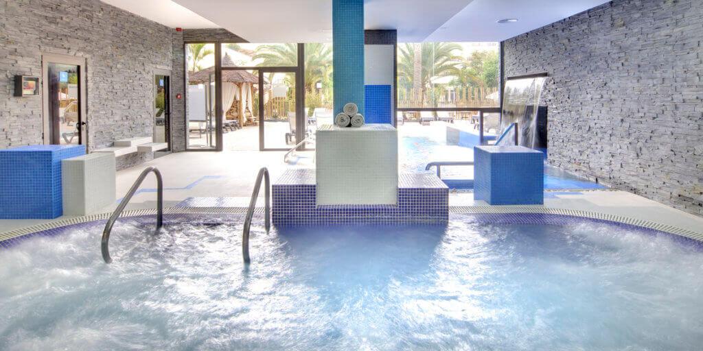 corralejo-bay-wellness-hotel-reise-planen-barcelo-erwachsenen-hotel-kanaren