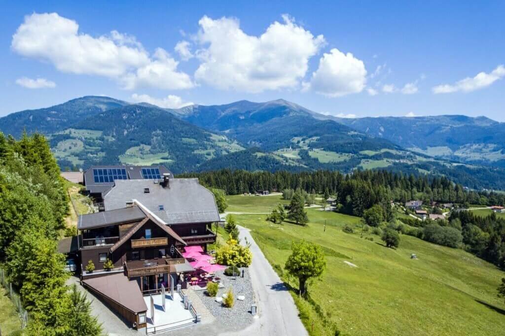 erholungsurlaub-wellness-in-oesterreich-reise-buchen-reisespezialist-Art-Lodge-Exterior