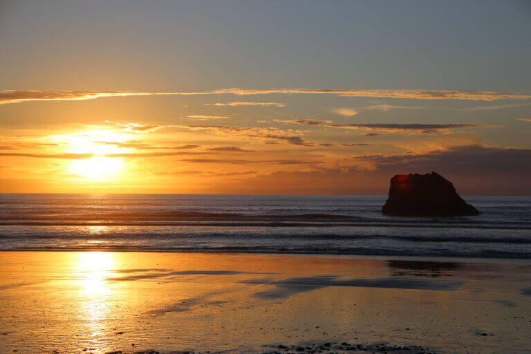 westport-gravity-neuseeland-sunset-schöne-stimmung-rundreise-airbnb-selbstfahrerreise-reisebüro-reiseprofi-sicher-reisen