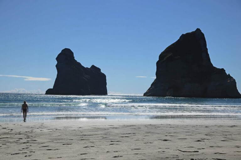 wharariki-beach-postcard-pic-foto-urlaub-reise-reisebüro-sicher-reisen-wandern-hikingurlaub-heidi-thalmeier